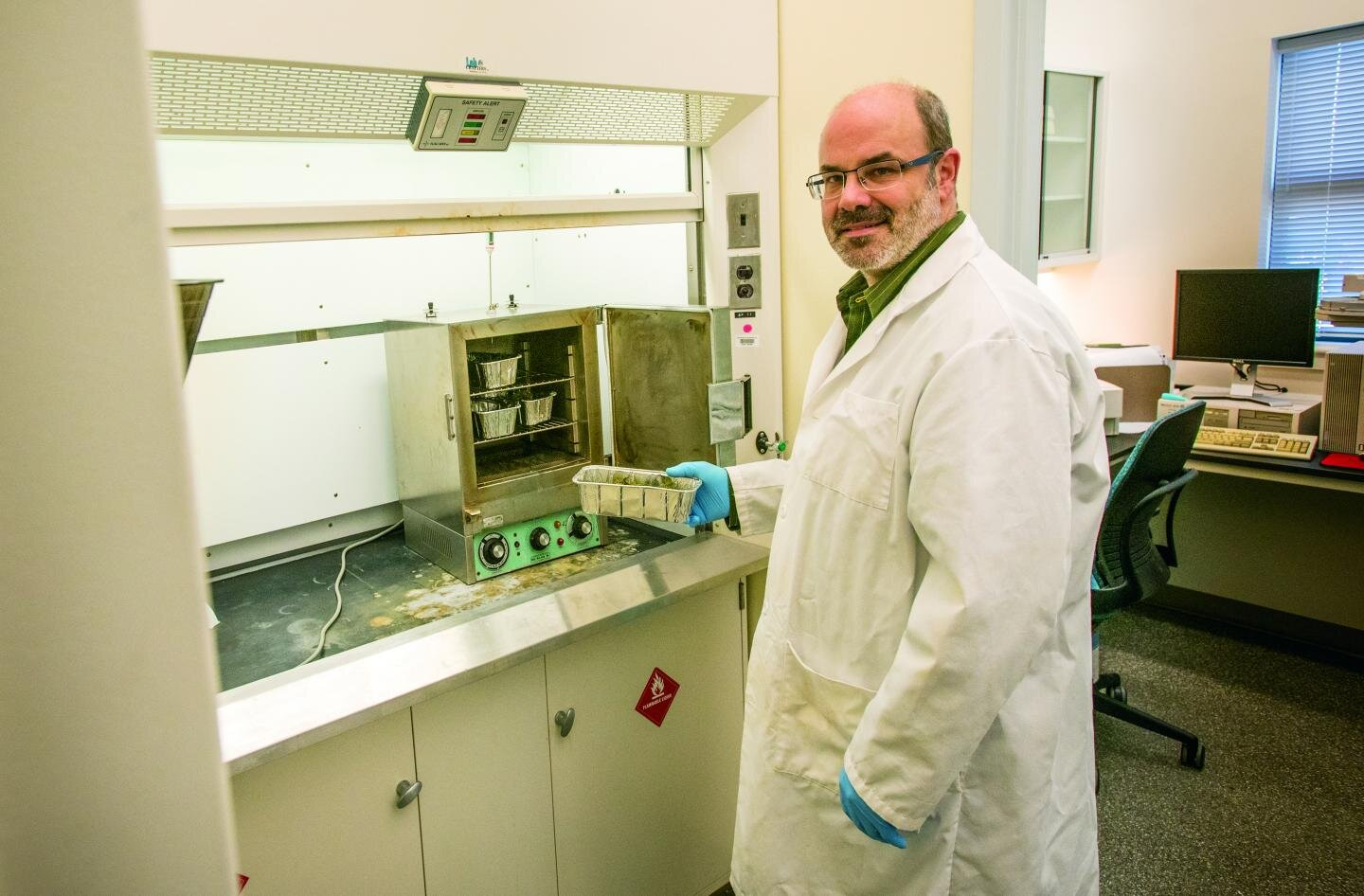 Hemp testing lab launched in response to industry need - Phys.Org